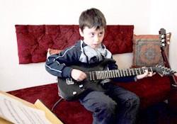 bass-gitar-cocuk-2